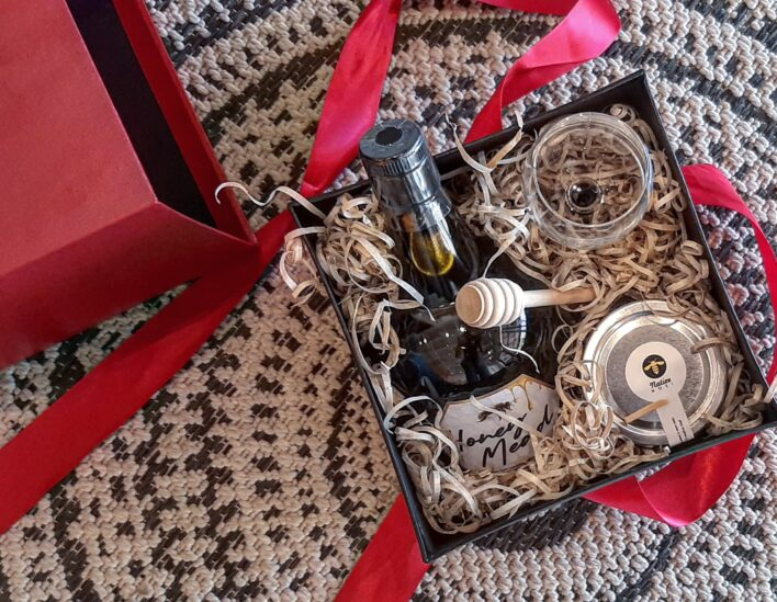 Native Nosi Christmas Box